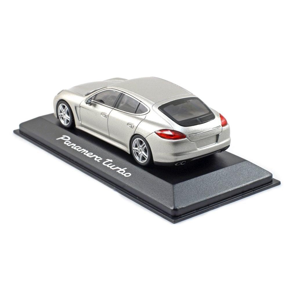1:43 Minichamps Porsche Panamera Turbo 2009 SILVER